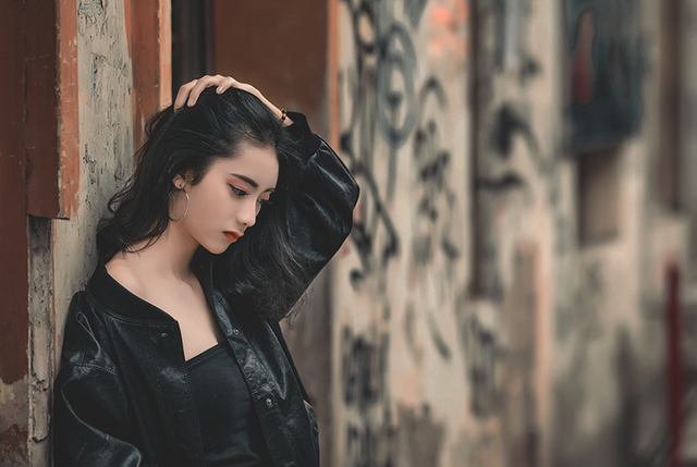 Bộ ảnh chụp ngẫu hứng của Quỳnh Anh và nhiếp ảnh Lê Minh được chia sẻ trên một diễn đàn nhiếp ảnh thu hút nhiều lượt cảm xúc và bình luận.