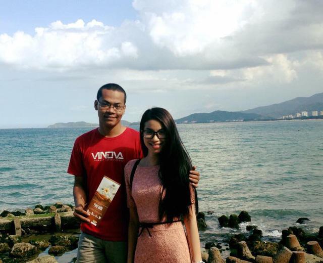 Blogger Nguyễn Ngọc Long và Hoa hậu Phạm Hương
