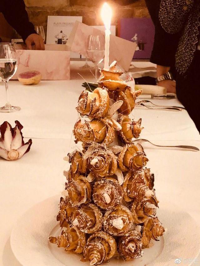 Chiếc bánh sinh nhật đặc biệt của Angelababy.