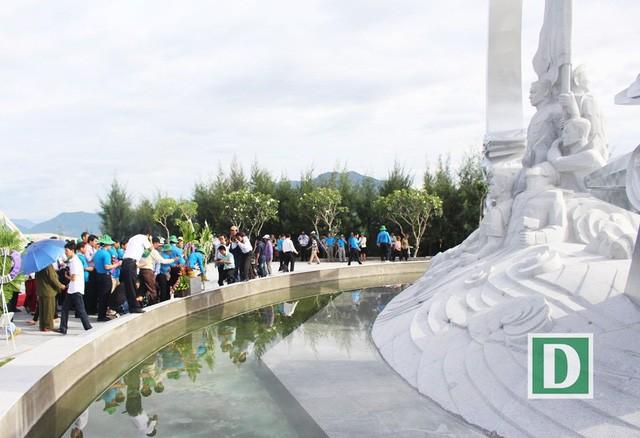 Khu tưởng niệm Chiến sĩ Gạc Ma (Khánh Hòa) ghi công các chiến sĩ anh dũng hi sinh trong sự kiện 14/3/1988