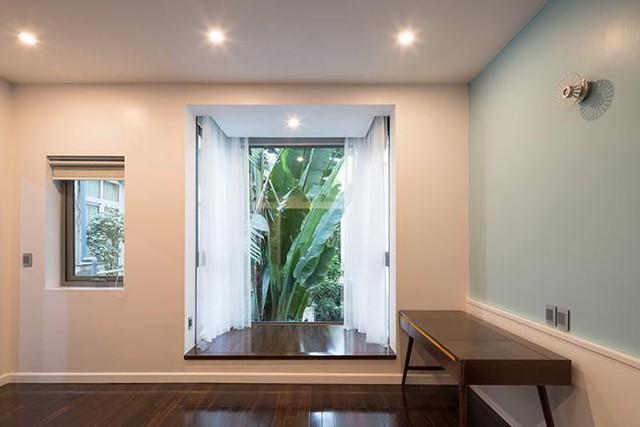 Mọi góc của căn nhà đều tràn ngập ánh sáng và thân thiện với thiên nhiên.