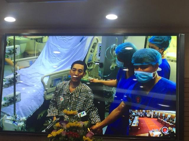 Sáng 16/3, 20 ngày sau ghép, bệnh nhân Hanh cho biết, sức khoẻ của ông đã được hồi phục tới 80%.