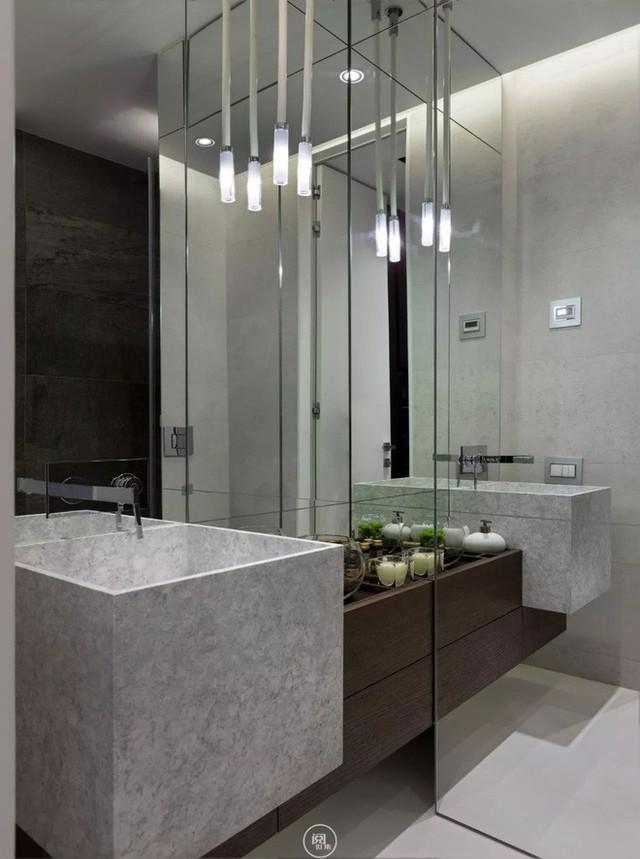 Ánh sáng là một phần quan trọng tăng thêm vẻ đẹp lãng mạn và cảm giác thoải mái khi sử dụng căn phòng.