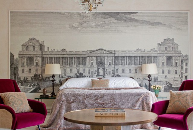 Những bức tranh lớn trên tường kết hợp với gam màu trung tính sẽ tạo cảm giác phòng ngủ của bạn có chiều sâu và rộng hơn. (Ảnh minh họa)