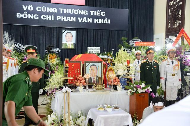 Lễ viếng Cố Thủ tướng Phan Văn Khải được tổ chức theo nghi thức Quốc tang. Ảnh Tuổi trẻ.