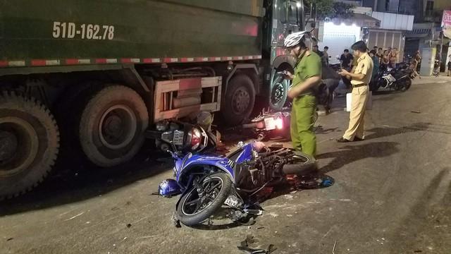 Nhân chứng vụ xe ben tông kinh hoàng nhiều người bị thương ở Sài Gòn : 'Cảnh tượng lúc đó rất ám ảnh, mọi người nằm la liệt co giật dữ lắm'