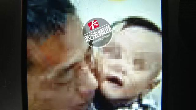 Tò mò muốn xem ống thông gió, bé trai 7 tuổi ngã từ tầng 29 tử vong