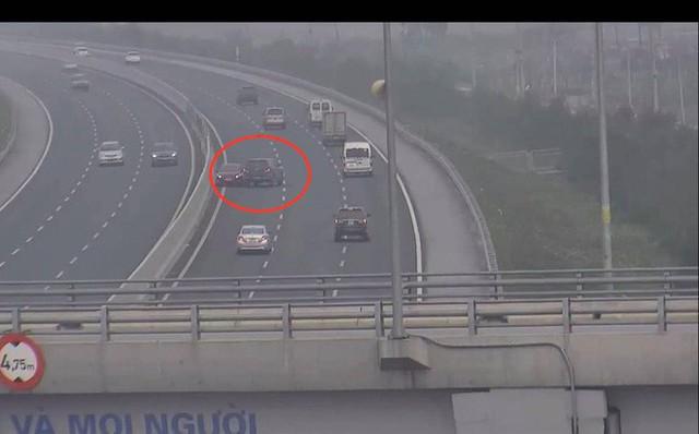 Nữ tài xế điều khiển xe ô tô đi ngược chiều trên cao tốc Hà Nội - Hải Phòng
