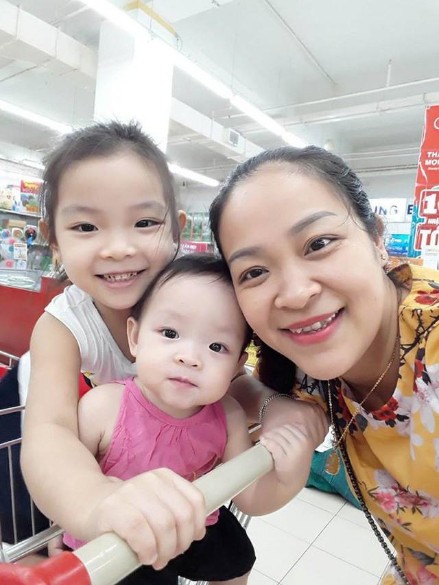 Ba mẹ con chị Trang Bùi.