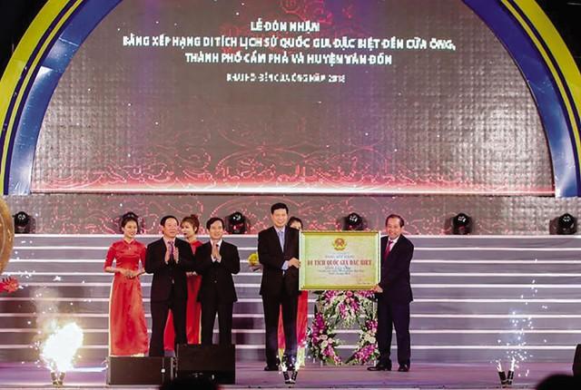 Lễ đón nhận Bằng công nhận Di tích Quốc gia đặc biệt đền Cửa Ông.