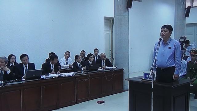 Bị cáo Đinh La Thăng tại tòa.     Ảnh: H.C