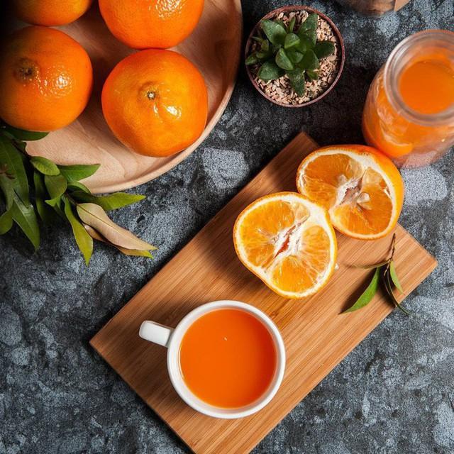 Vitamin C có trong cam sẽ không được hấp thụ ví dụ không có sự giúp đỡ của chất béo.
