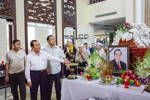 Lễ viếng Cố Thủ tướng Phan Văn Khải được tổ chức trọng thể theo nghi thức Quốc tang từ sáng ngày 20/3.     Ảnh: Văn Dũng