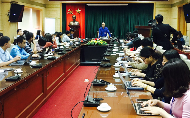 TS Nguyễn Huy Quang phát biểu tại cuộc họp