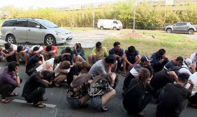 Gần 50 dân chơi phê ma túy trong quán bar ở Sài Gòn