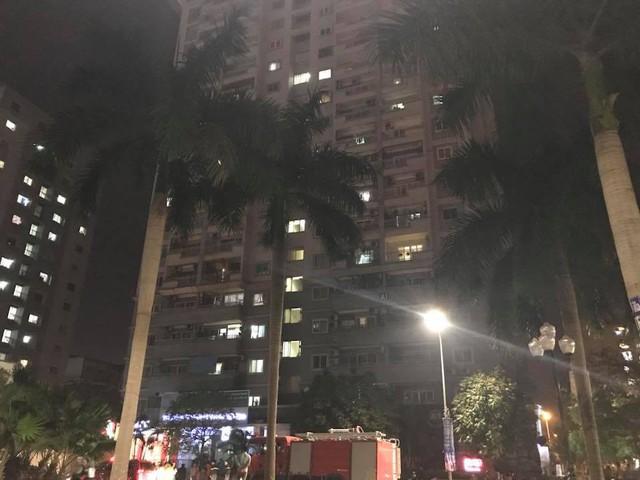 Hà Nội: Cháy tại tầng 18 chung cư A1 trên phố Nguyễn Cơ Thạch