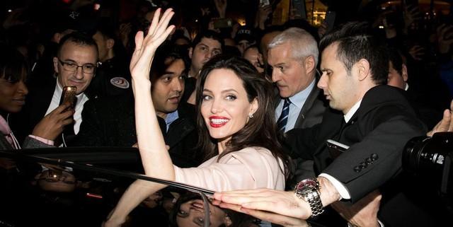 Nghi vấn Angelina Jolie có bạn trai mới
