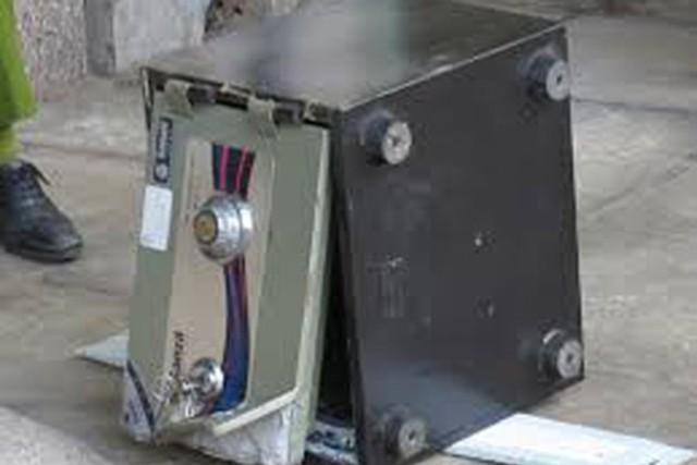Phá két sắt trong phòng Tổng Giám đốc, 'cuỗm' hơn 1 tỷ đồng