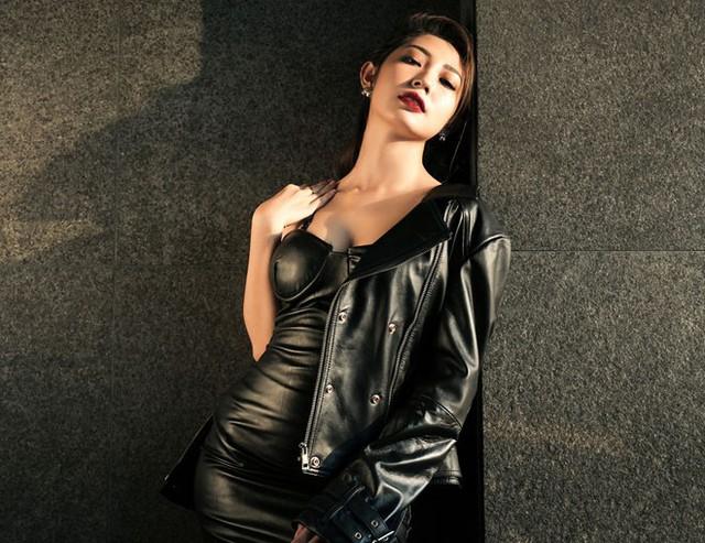 Bạn gái Ngô Kiến Huy bị đại gia tán tỉnh, kẻ xấu sàm sỡ khi đi hát