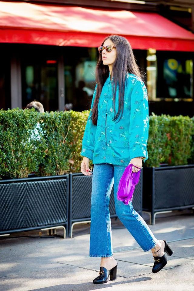 8 quy tắc mặc quần jeans lửng ống loe chị em nên biết