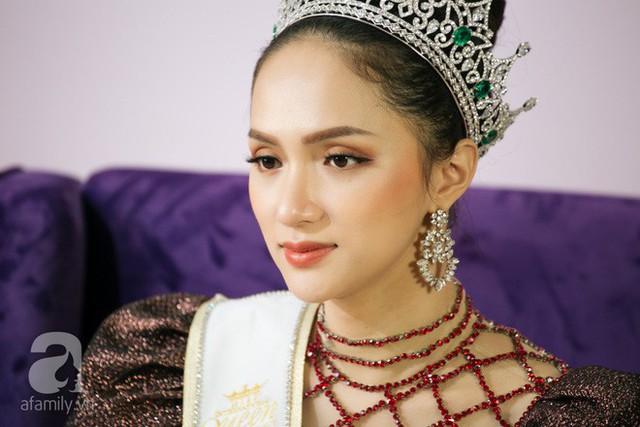 Hoa hậu Hương Giang.