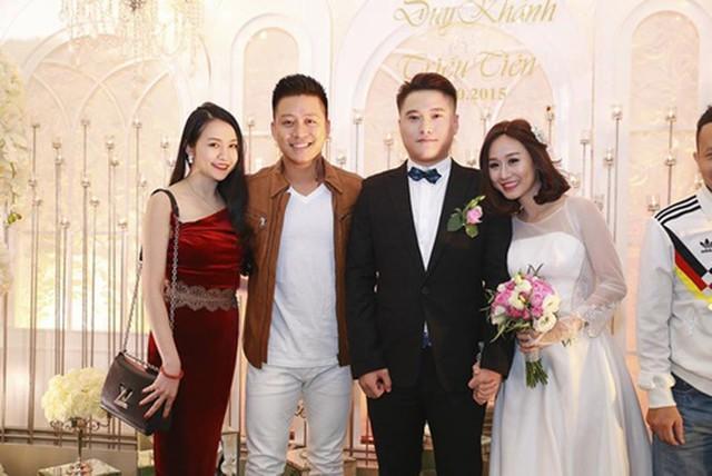 Đám cưới của Vũ Duy Khánh và Tiên Moon có nhiều nghệ sĩ nổi tiếng tham dự.