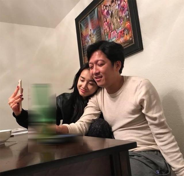 Trường Giang - Nhã Phương tái hợp; loạt sao Việt khoe ảnh vợ chồng ngọt ngào