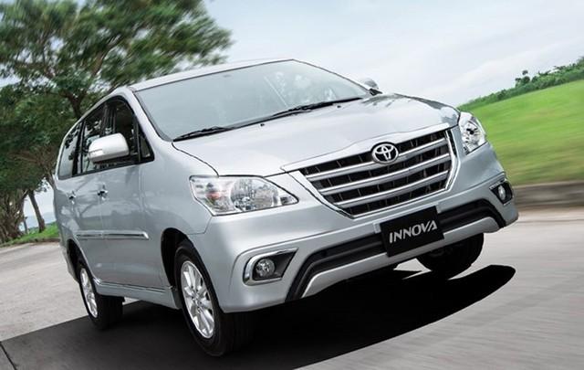 Toyota Innova số sàn giảm 30 triệu đồng.