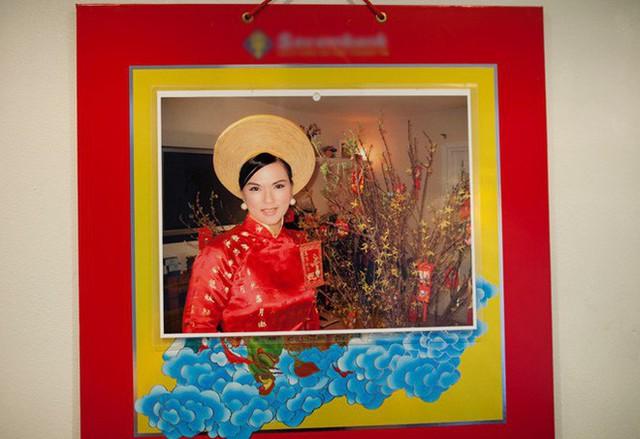 Vì hay ghen nên trong nhà của Chí Tài, chị bắt anh phải treo ảnh mình khắp nơi để đánh dấu chủ quyền.