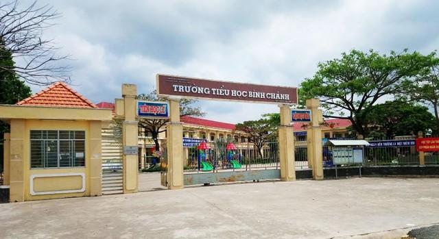 Trường Tiểu học Bình Chánh (tỉnh Long An) nơi xảy ra vụ việc giáo viên quỳ gối xin lỗi phụ huynh. Ảnh: TL