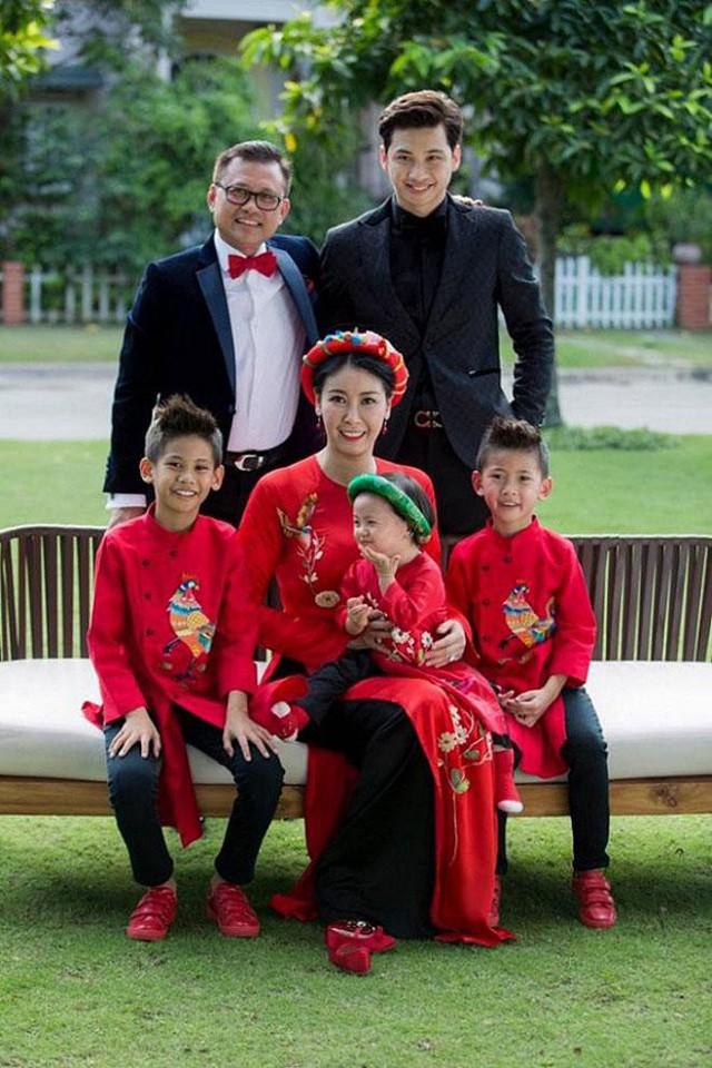 Gia đình hạnh phúc của Hoa hậu Hà Kiều Anh.