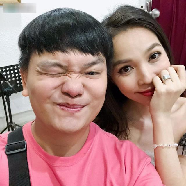 Trước khi trở thành diễn viên hài được nhiều người yêu mến, trước khi trở thành giám khảo gameshow tạo hiệu ứng viral trên mạng xã hội, Trịnh Tú Trung có 10 năm làm quản lý cho ca sĩ Hiền Thục.