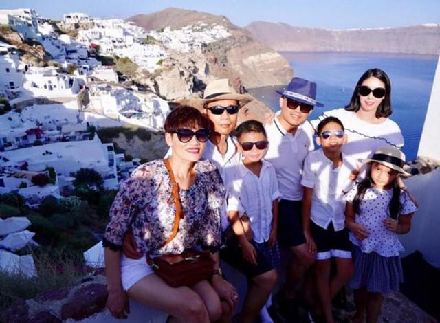 Những chuyến du lịch xa xỉ của Hà Kiều Anh và gia đình.