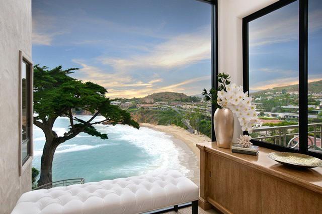 Căn nhà đẹp, ngắm biển suốt cả ngày vẫn đang tìm chủ nhân.