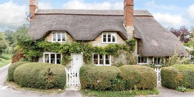 Nằm trong ngôi làng Sherrington ở Wiltshire, Cress Cottage được cho là có từ những năm 1720.