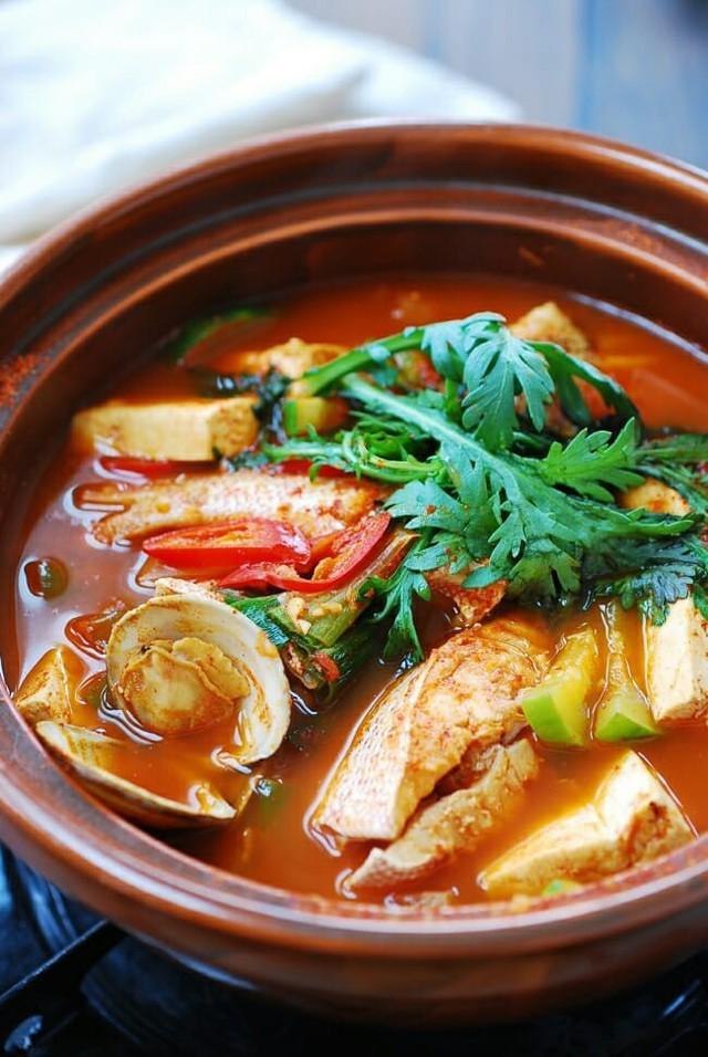 Mách bạn cách nấu canh cá kiểu Hàn ai ăn cũng ghiền