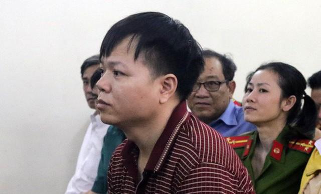 Bị cáo Trần Văn Tá tại phiên tòa.