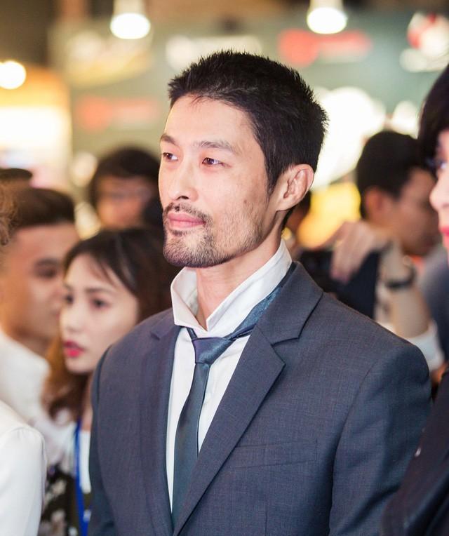 Hình ảnh gần đây của Johnny Trí Nguyễn khiến khá nhiều người nhạc nhiên vì quá khác so với vẻ điển trai, phong độ trước đây.