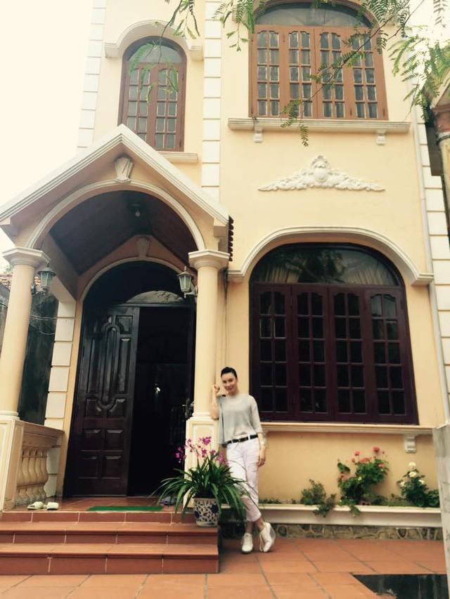 Hồ Quỳnh Hương hiện đang sở hữu khá nhiều căn biệt thự ở cả Bắc và Nam.