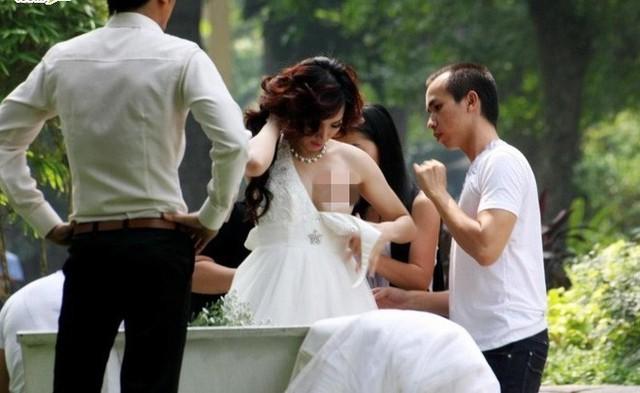 Khi thay trang phục để chụp hình, Trang Nhung bất cẩn để lộ trọn bầu ngực khiến cộng đồng mạng xôn xao. Sau sự việc này, biệt danh người đẹp lộ ngực gắn lền với cái tên Trang Nhung.