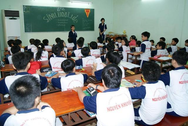 Học sinh trường Nguyễn Khuyến trong giờ học. Ảnh: Nguyen Khuyen Confession.