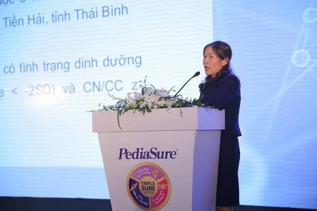 Tiến sĩ Ninh Thị Nhung, Đại học Y Dược Thái Bình giới thiệu kết quả nghiên cứu tại hổi thảo