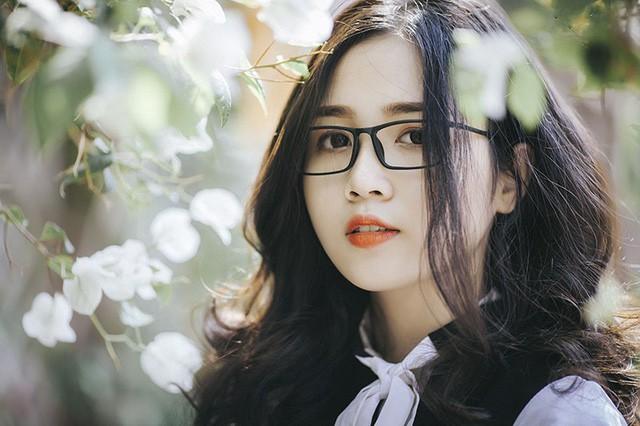 Ngọc Huyền có dự định theo học các ngành kinh tế và tài chính marketing, cô gái đang nỗ lực và dành toàn tâm để có thể chuẩn bị kỹ lưỡng hành trang thực hiện ước mơ của bản thân.