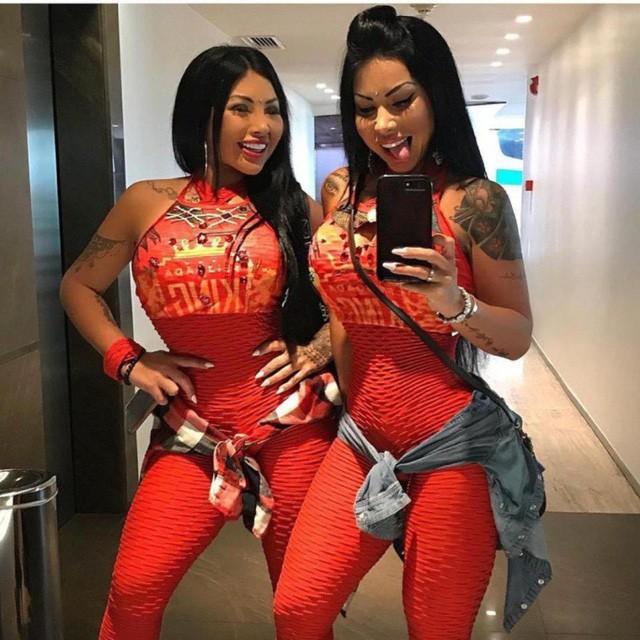 Nadinne cùng em gái sinh đôi người Argentina có tới 1 triệu lượt theo dõi trên Instagram
