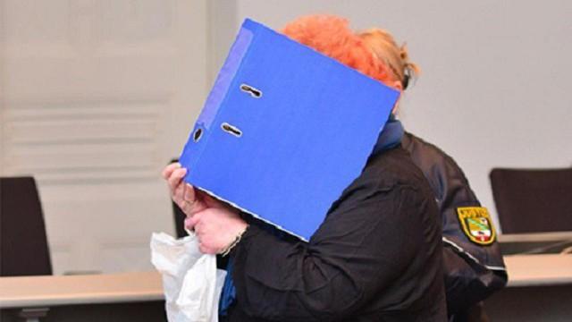 Bà Steffi Schmidt che mặt tại tòa án.