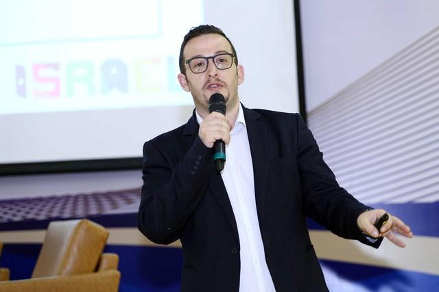 Ông Doron Lebovich - Phó Đại sứ Israel tại Việt Nam chia sẻ với Phụ huynh Vinschool về kinh nghiệm của người Do Thái trong việc dạy con về tư duy tài chính từ nhỏ.