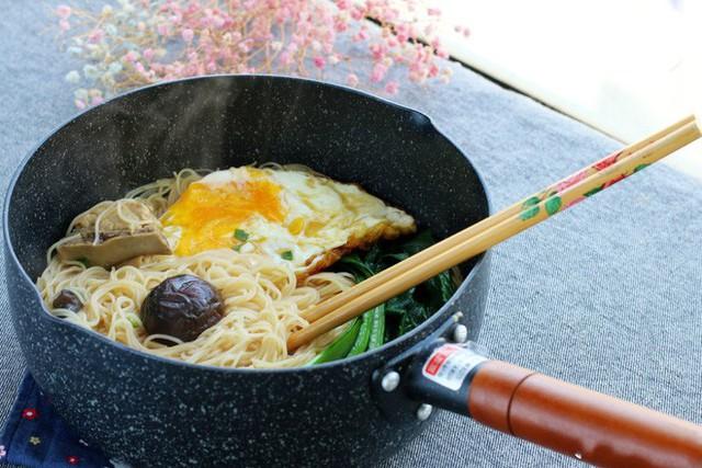 Chúc các bạn thành công với cách làm mì trứng nấm này nhé!