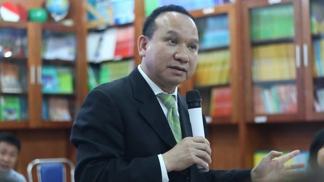 Ông Phillip Nguyen về Việt Nam để giải thích sự việc với phụ huynh học sinh Trường Newton.