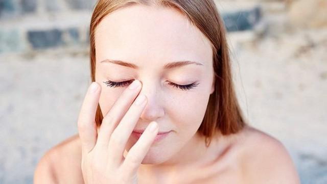 5 thói quen không ngờ lại chính là nguyên nhân gây tổn hại đôi mắt của bạn