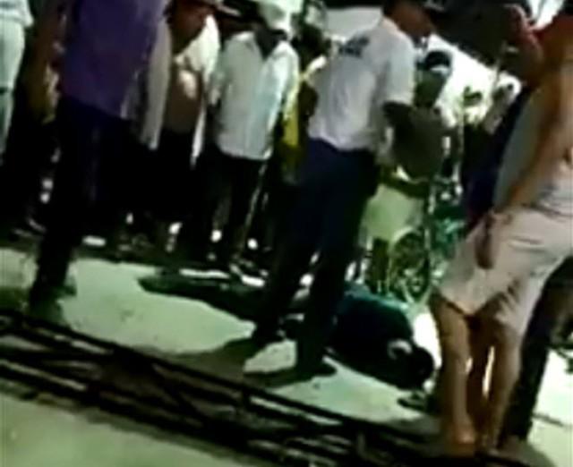 Kẻ hiếp dâm bị đánh đập, ném vào chuồng cá sấu ở Mexico